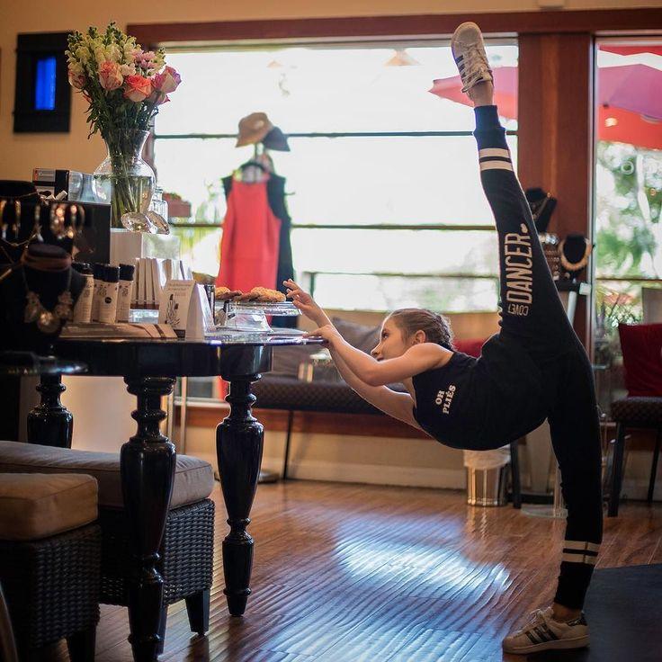 Living Room Dancers