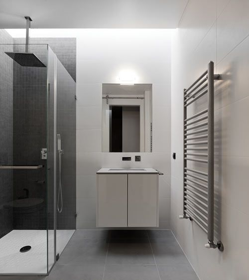 Casa Xieira II by A2+ Arquitectos. clean.Bathroom Brainstorming, Shower Head, Lights Interiors, Pictures Gallery, Gorgeous Minimalist, Minimalist House, House Ii, Projects Gallery, Full Pictures