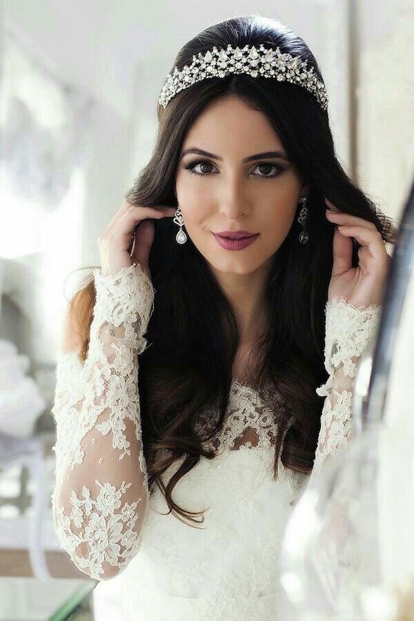 Penteado de noiva com tiara - liso e solto