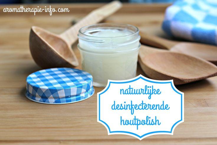 Deze natuurlijke desinfecterende houtpolish bestaat uit bijenwas en kokosolie en is ideaal voor het onderhoud van houten en bamboe snijplanken, houten keukenlepels etc.