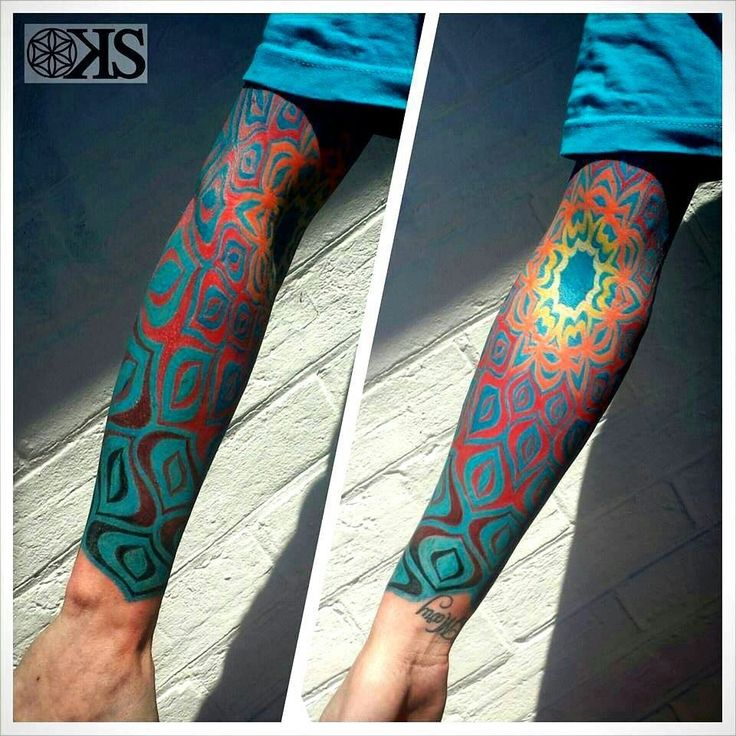 This tattoo was inspired by the tattoo artists first DMT experience! Tattoo Artist:Keegsween_tattoo  -Bill