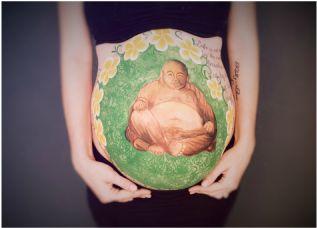 prenatal belly painting, maternity photos, pregnancy mackay