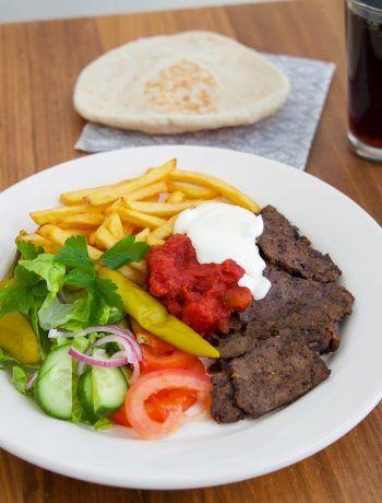 Kebab kobideh - en traditionell delikates från Iran, underbart mört kött med härliga smaker.