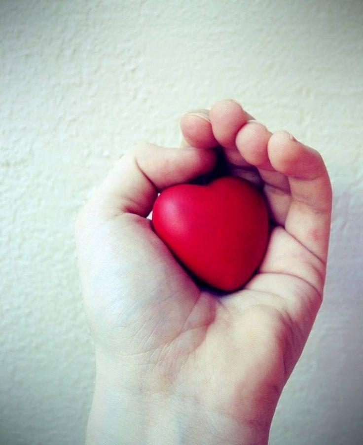 Rispettare se stessi è fondamentale, bisogna decidere di volersi bene tanto da non mettersi in situazioni in cui il cuore possa piangere lacrime amare.  Eleonora Della Gatta
