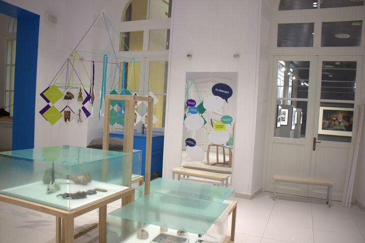 """Wystawa O!Kolekcja  - wielki początek. Zaczynamy od ćwieczenia : """"Ja kolekcjoner"""" i lustra inspiracji.  #muzeumdladzieci #childrensmuseum #kidsmuseum #kidsinmuseum #ethnomuseuminwarsaw"""