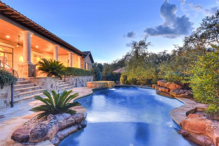 Breathtaking Estate in Greystone Estates | 19418 Settlers Creek | San Antonio, Texas 78258