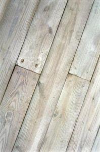 How to Bleach Hard Wood Floors thumbnail
