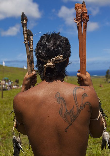 Back Of A Man During Spear Competition, Tapati Festival, Easter Island, Chile | Flickr: Intercambio de fotos