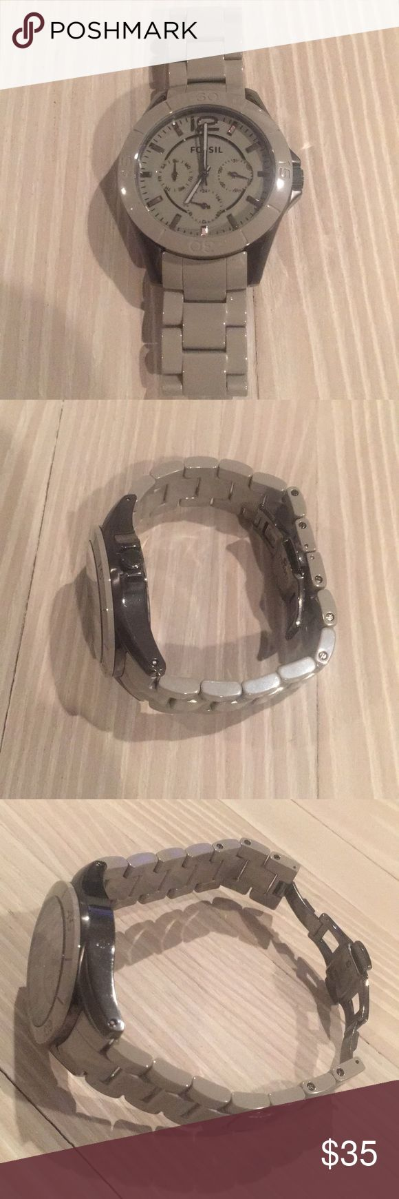 Fossil watch Grey fossil watch ! Used but in great condition ! Needs new battery . Fossil Accessories Watches