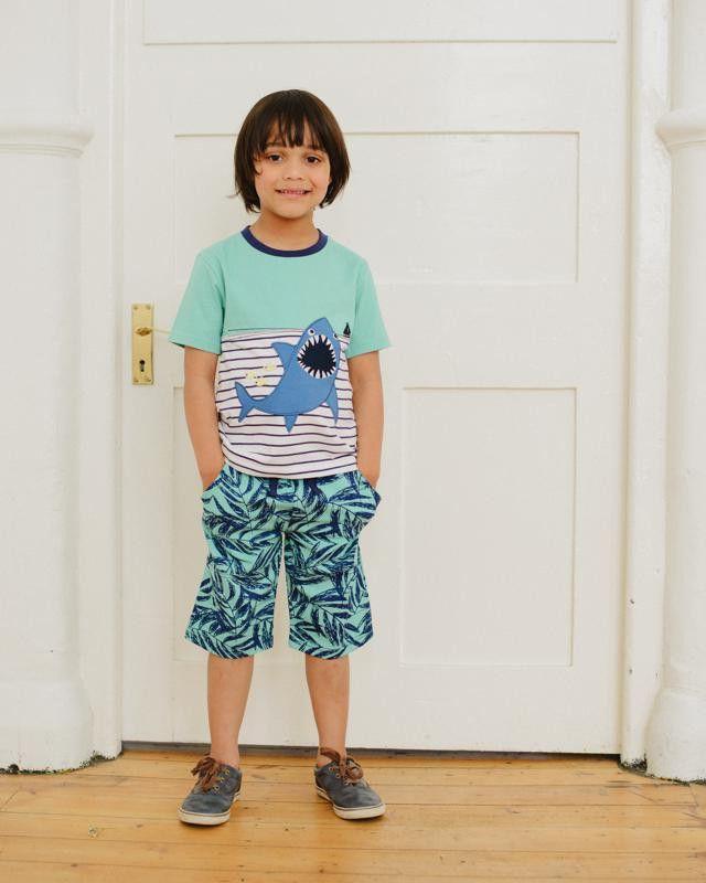 Tolle Outfits für Jungs findet Ihr bei StyleKIND (Kindermode) <3 www.stylekind.at #jungs #bekleidung #boys #mode #blau #lilly+sid #billybandit #türkis #gestreift #hai #shirt #style #stylekind #shorts #hose #www.stylekind.at