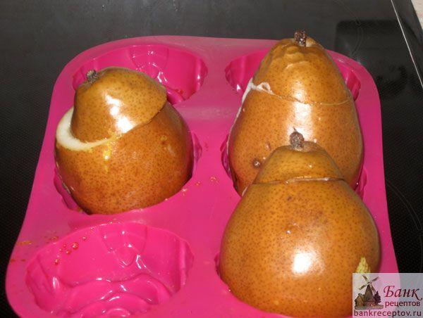 Десерт из груши и коньяка