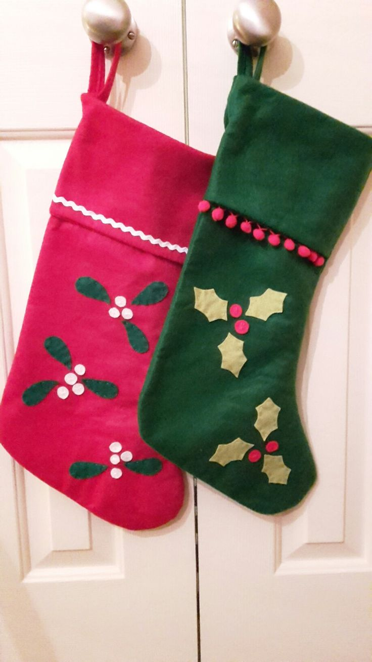 Felt & scraps decorated stockings. Felt stockings from Hobbycraft.