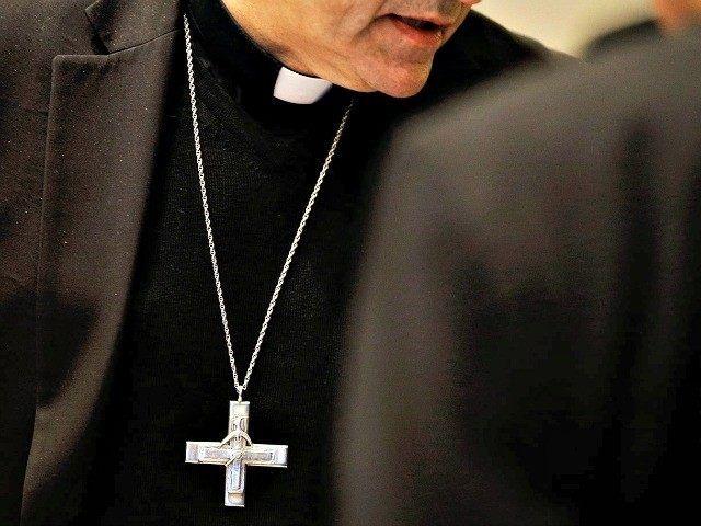 Christian Charities Profit from Muslim Refugee Resettlement - Breitbart