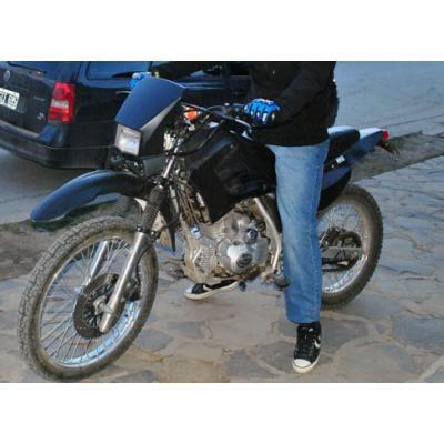 Vendo moto  http://villapehuenia.anunico.com.ar/aviso-de/motos/vendo_moto-7708781.html