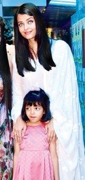 Aishwarya Rai Bachchan with her cute daughter Aaradhya at the launch of a play school : MagnaMags