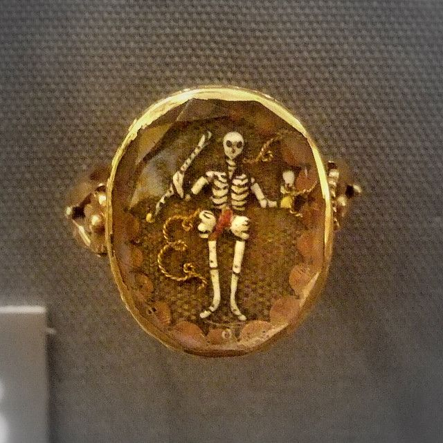 Mourning ring, Birmingham Museum.  Gold enamel and human hair.  English, 17th c.
