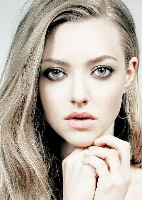 Attractive Girl Wallpaper Amanda Seyfried Girls In 2019 Amanda Seyfried Amanda