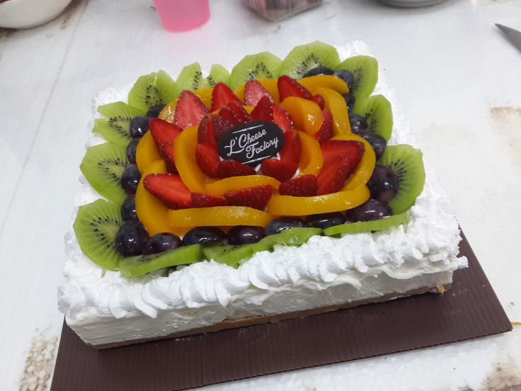 cheesecake with a lot of fruit!! ^_^ #nomnom