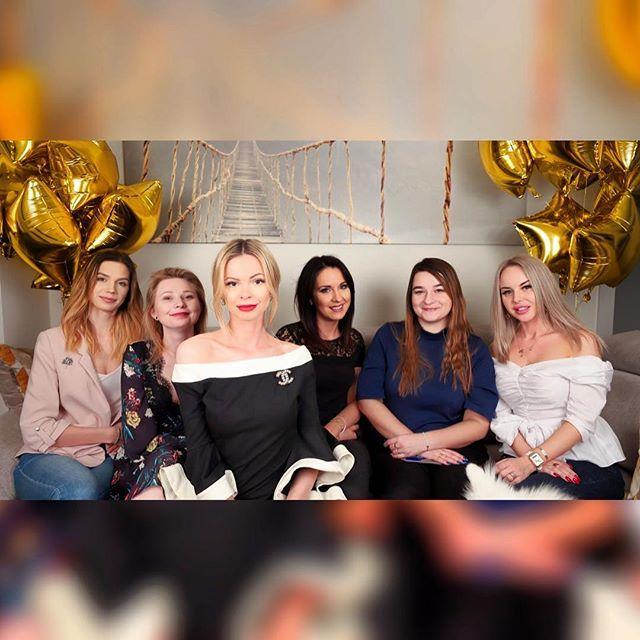 Czy wszyscy już widzieli mój najnowszy vlog z urodzin? Jeśli nie to zachęcam do nadrobienia zaległości  bit.ly/UrodzinyVlog  #party #bdaygirl #bdayparty #girlspower #girlsnight
