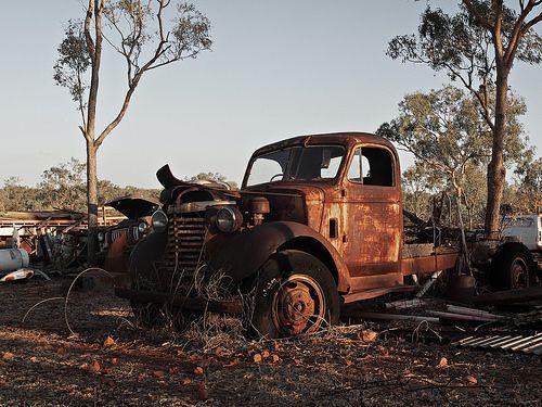 RIP - Abandoned truck #2  Tumblr: http://ozpicday.tumblr.com Flickr: https://www.flickr.com/photos/123419261@N02/