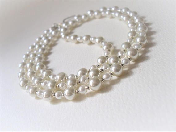 Pearl Eyeglass Necklace/Ivory Glass Pearls/Luxury Pearl