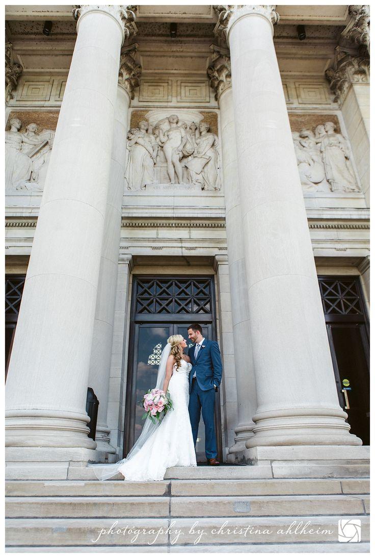 ©Christina Ahlheim | Charisma Photography | Forest Park | Art Museum | St. Louis Wedding Photographer | #saintlouisweddingphotographer #stlouisweddingphotographer #stlweddingphotographer #stlweddings #forestpark #artmuseum