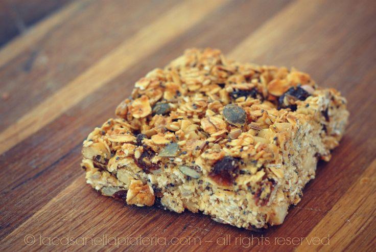 Barrette ai cereali e alla frutta secca: una ricetta golosa, leggera e salutare per cominciare la giornata con il piede giusto!