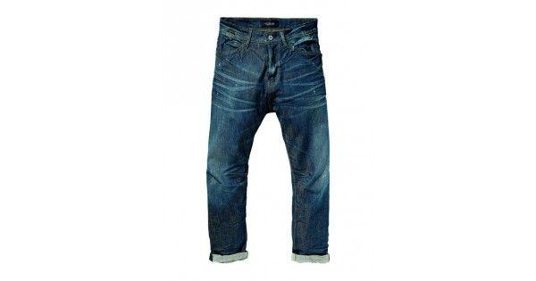 Παντελόνι με κουμπιάσε loose taper γραμμή Scotch & Soda. Σύνθεση 98% cotton 2% elastan. e-funky.gr