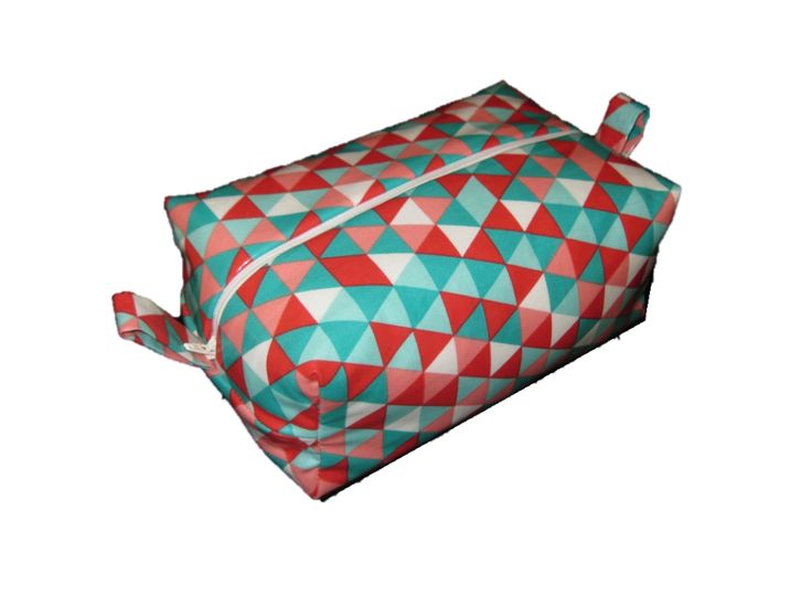 Make this handy little Insulated Lunch Bag. It is big enough for you to pack a lunch box & ice brick but small enough for you to just throw in your bag. The silver lining will keep your lunch cold & fresh for you to enjoy.