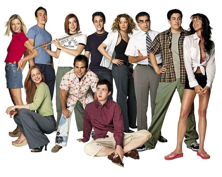 """American Pie"" cast photo, 1999. Top row: Tara Reid, Chris Klein, Alyson Hannigan, Thomas Ian Nicholas, Natasha Lyonne, Eugene Levy, Jason Biggs, Shannon Elizabeth. Bottom row: Mena Suvari, Seann William Scott, Eddie Kaye Thomas."