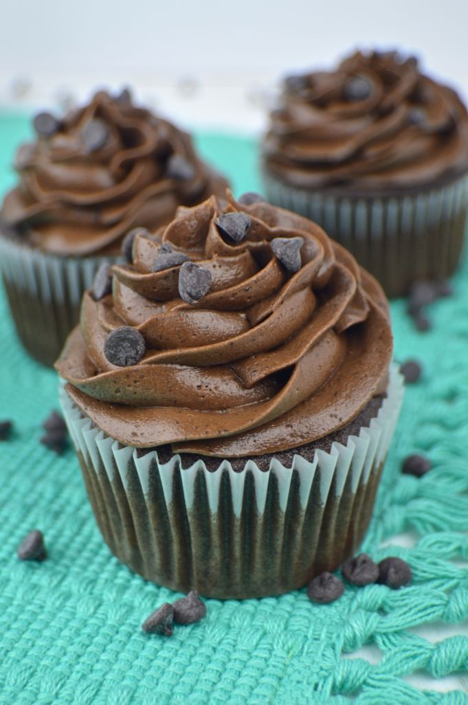 Chocolate Espresso Cupcakes with Chocolate Espresso Frosting   Revamperate