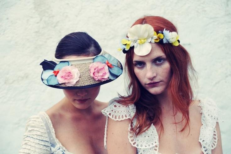 Visière à fleurs + couronne de fleurs