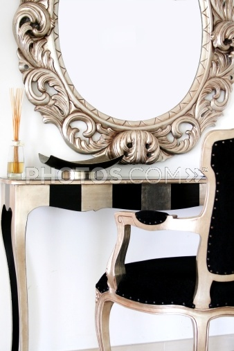This is so New York chic! I love this dressing table.