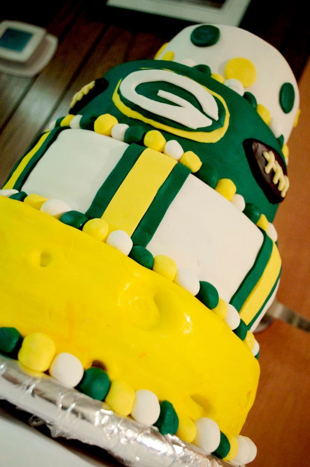 Green Bay Packers Cake:A cake I made for my boyfriend's 30th Birthday