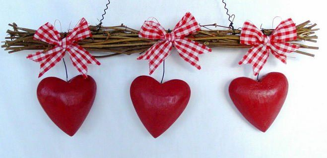 Valentine's Day Decoration - I could totally make this!