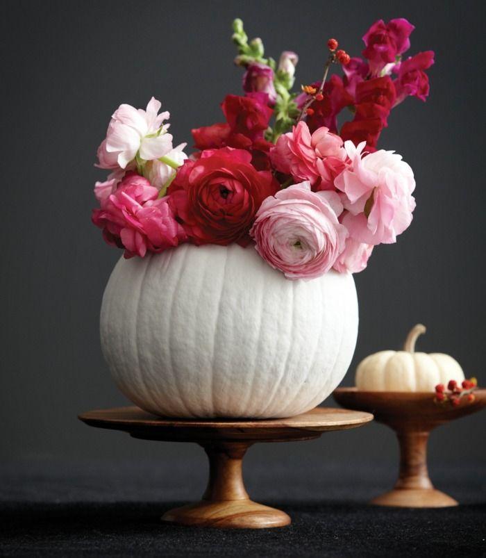 Nous vous proposons un guide simple sur la réalisation d'une composition florale avec citrouille en tant que vase original et joli. Les photos inspirantes