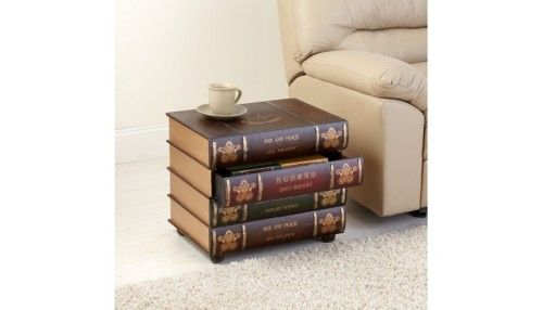 Can't read these ones which could get frustrating. Still, it's a very bookish coffee table.