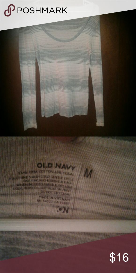 OLD NAVY long sleeve top Good used condition. Very soft, and lightweight, its a thin material n looks great with a tanktop under. Says medium but very stretchy n can also fit large just fine OLD NAVY Tops