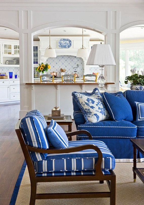 cobalt blue and white living room ideasDecor, Living Rooms, Livingroom, Cobalt Blue, Traditional Home, French Blue, Families Room, French Country Kitchens, Blue And White