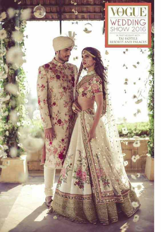 Bridal in white and red lehnga choli with dupatta and groom in matching sherwani with turban latest indian and pakistani wedding matching dress combinations for bride and groom 2017