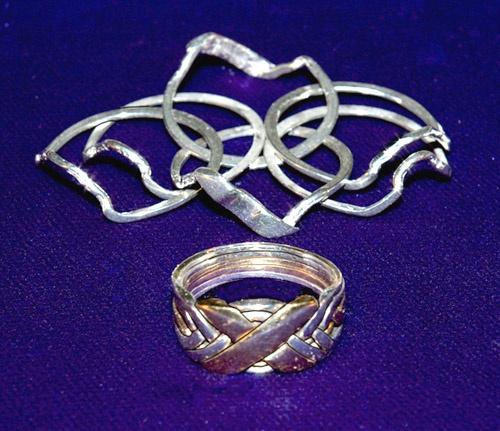 Pepi  Band Puzzle Ring