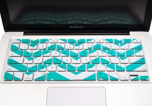 "TopCase Chevron Zig-Zag Silicone Keyboard Cover Skin for Macbook 13"" Unibody / Macbook Pro 13"" 15"" 17"" with or Without Retina Display / Wireless Keyboard + Topcase Mouse Pad (AQUA BLUE) TOP CASE,http://www.amazon.com/dp/B00FAVIB64/ref=cm_sw_r_pi_dp_MrPPsb1K1SCP8G5W"
