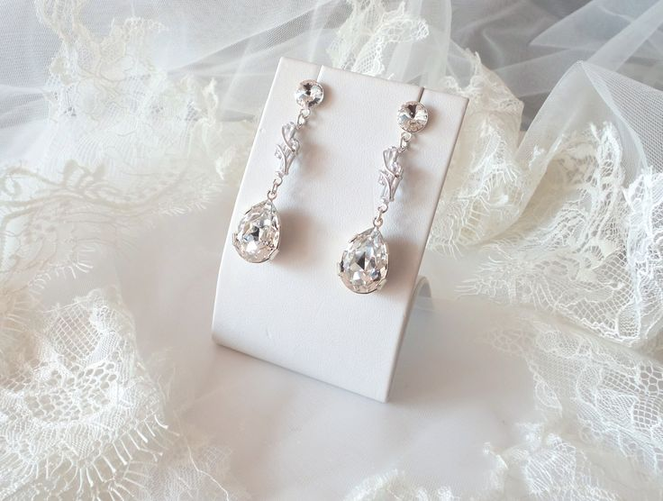 Bridal sophisticated earrings made with Swarovski Elements and Silver 925