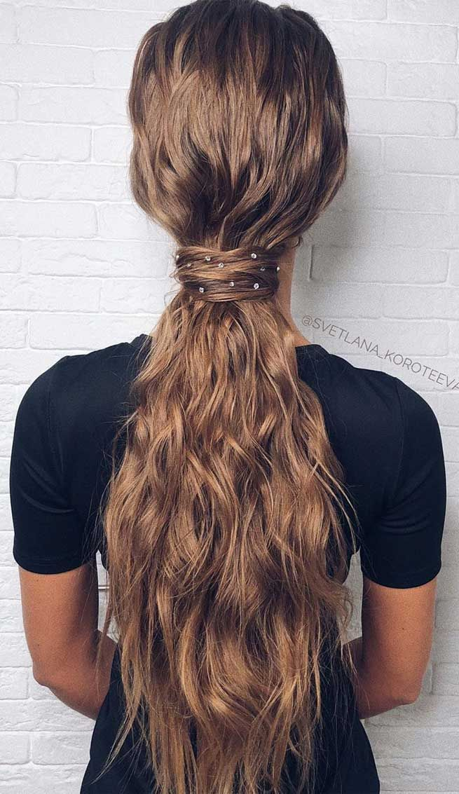 22 Fabulous Hairstyles For Christmas And New Year Eve S Party In 2020 Hair Styles Party Hairstyles Christmas Hairstyles