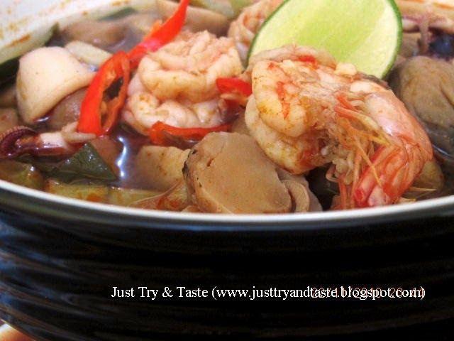 Resep sup tom yam dengan seafood yang simple dan super duper sedap!