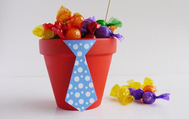 Maceta+con+caramelos+para+el+Día+del+Padre