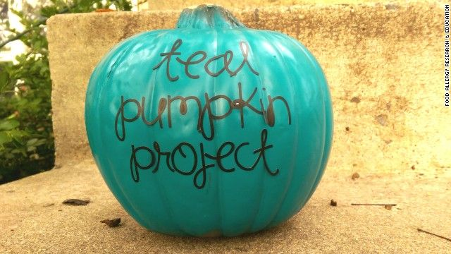 I'm asking all of my followers to support the #tealpumpkinproject this Halloween for kids with #foodallergies. As an adult with life-threatening allergies that marginalized me as a child this kind of inclusion and acceptance is a step forward in the right direction. Thanks for your support!