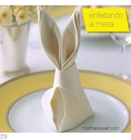 coelho de guardanapo!: Easter Dinners, Easter Napkins, Folding Napkins, Napkins Folding, Easter Tables, Easter Bunnies, Bunnies Napkins, Bunnies Folding, Easter Ideas