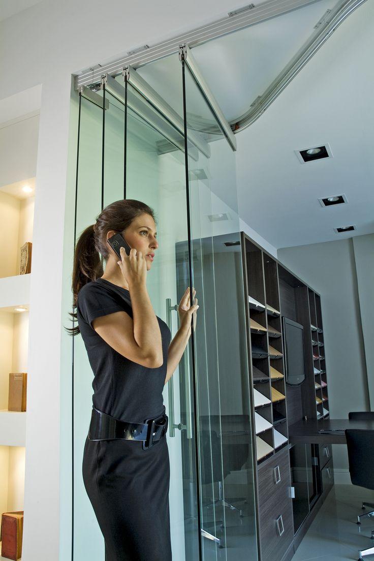 Sistemas Segmenta en Vidrio, ideales para divisiones de ambiente en oficinas…