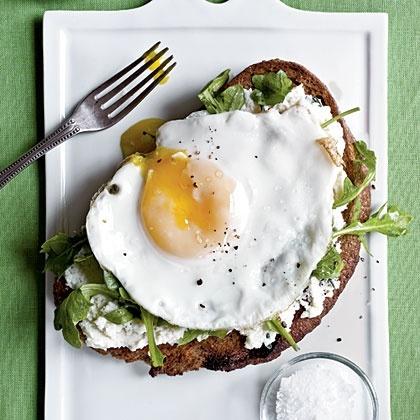 Egg, Ricotta, and Arugula on Toast | Healthy starts HERE! | Pinterest